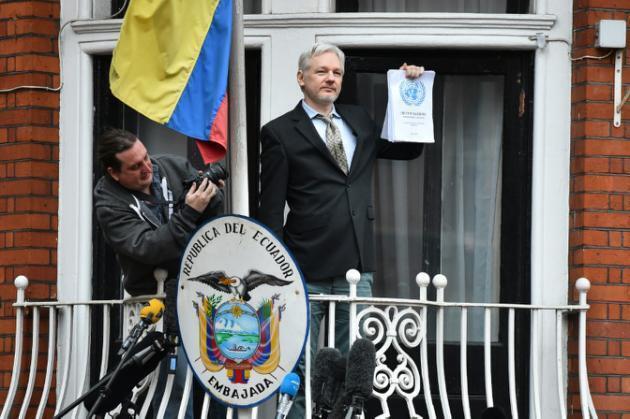 Julian Assange kwenye ubalozi wa Ecuador mjini London, Februari 5, 2016.
