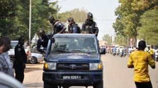 Policiers burkinabè dans les rues de Ouagadougou, Burkina Faso, octobre 2017.