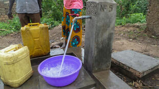 Upatikanaji wa maji safi kwenye mkoa wa Kivu ya Kusini eneo la Idjwi nchini DRC.