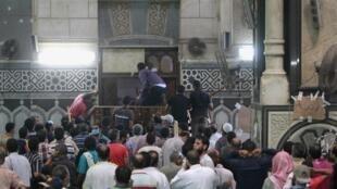 Agressões e detenções ameaçam o trabalho dos jornalistas ocidentais no Egito.