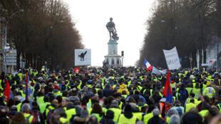 La manifestación de los chalecos amarillos en Angers.