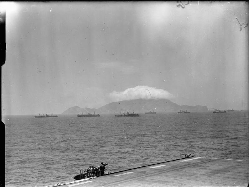 Navires d'escorte de la Royal Navy au cours du débarquement de Provence en août 1944.