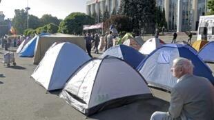 Палаточный городок гражданской платформы «Достоинство и Правда» в центре Кишинева, 7 сентября 2015.