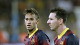Neymar e Lionel Messi disputam o prêmio Bola de Ouro 2013 da FIFA