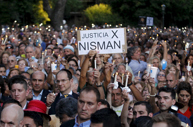 Des manifestants ont défilé lundi 18 janvier à Buenos Aires, pour demander justice et rendre hommage un an après la mort du procureur Alberto Nisman.