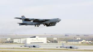 Un bombardier B-52H Stratofortress américain.