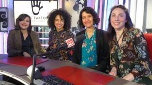 Vanessa Palacio, directora de Artefaktos Art, Carolina Ariza, comisaria de la muestra,  y las artistas Julia María López Mesa y Camila Salame.