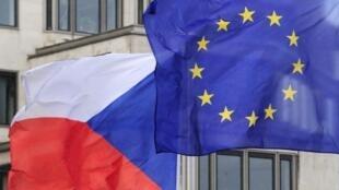 捷克與歐盟旗幟資料圖片