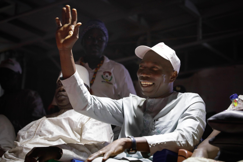 O Ministério Público solicitou o levantamento da imunidade parlamentar do deputado Domingos Simões Pereira, líder do PAIGC, na Guiné Bissau.