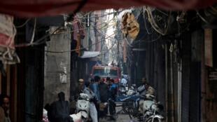 印度新德里一家紙板廠2019年12月8日凌晨火災