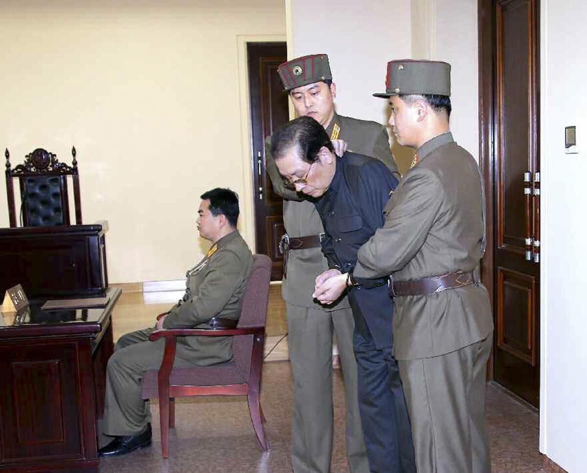 Jang Song-Thaek lors d'une audience au tribunal militaire. Image datée du 12 décembre 2013.