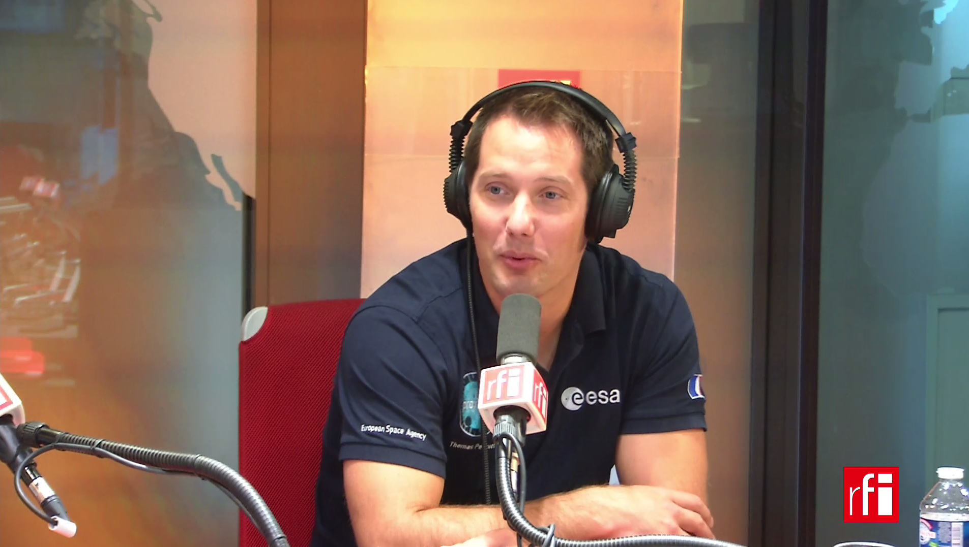 Тома Песке в студии RFI 10 октября 2017 года.