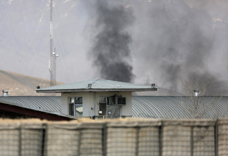 Le bâtiment de la Commission électorale a été attaqué ce samedi alors que les Afghans doivent se rendre aux urnes le 5 avril prochain pour choisir leur président.