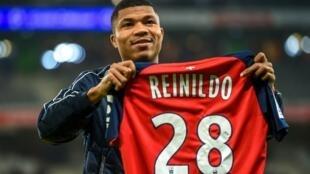 Reinildo, defesa moçambicano do Lille.