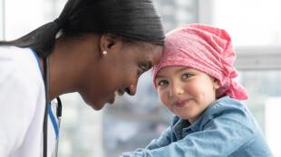 Le cancer est diagnostiqué chaque année chez environ 300 000 enfants âgés de 0 à 19 ans (OMS)