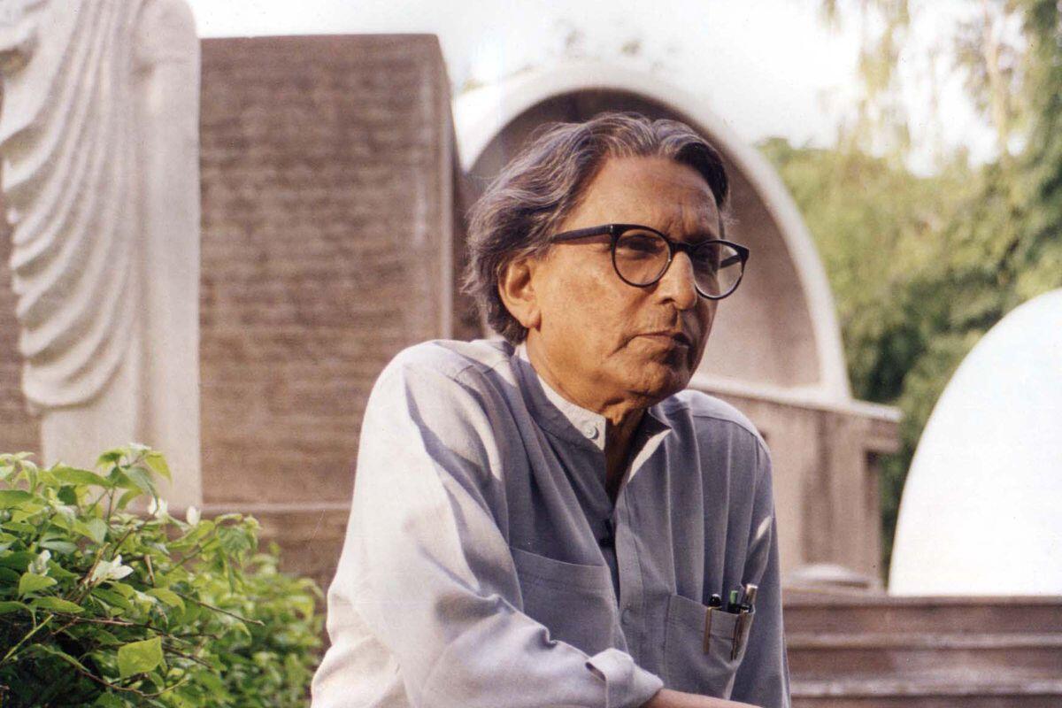 """Balkrishna Doshi (em foto de arquivo) é o primeiro indiano a ganhar o """"Nobel da Arquitetura"""""""
