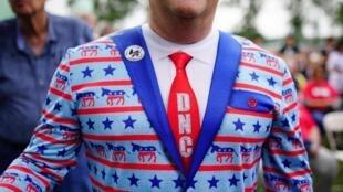 خر نماد حزب دموکرات و فیل نماد حزب جمهوریخواه آمریکا است