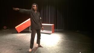 Souleymane Sanogo, alias Solo, a survécu grâce à la danse.