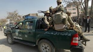 Lực lượng an ninh tuần tra điạ điểm  bị Taliban tấn công ở  thủ đô Kaboul. Ảnh ngày 16/04/2012.