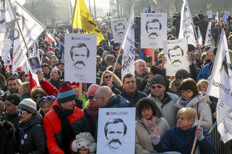 Манифестация в поддержку Леха Валенсы в Гданьске, 28 февраля 2016 г.