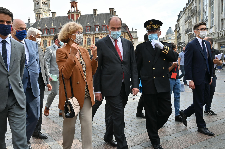 ژان کاستکس، نخست وزیر، در سفر به شهر لیل در شمال فرانسه که یکی از این شهرهاست، از شهروندان سراسر کشور خواست تا هشیاری خود را نسبت به افزایش دوباره شیوع ویروس کرونا از دست ندهند.