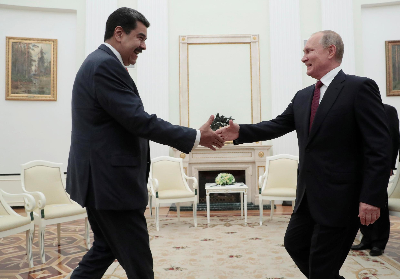 Tổng thống Nga Vladimir Putin (P) tiếp đồng nhiệm Venezuela Nicolas Maduro, Matxcơva, ngày 25/09/2019