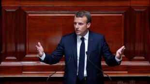 O Presidente francês, Emmanuel Macron, recebeu esta manhã os parceiros sociais no Eliseu.