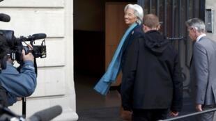 Christine Lagarde arrives at the Paris court