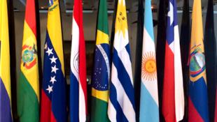 Bandeiras dos países que integram o Mercosul