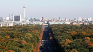 В Берлине состоялась 250-тысячная демонстрация против ультраправых экстремистов