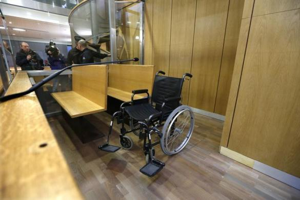 The wheelchair of former Rwandan army captain Pascal Simbikangwa is seen before the start of his trial at Paris court, 4 February 2014.