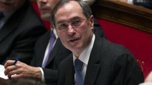 Le ministre de l'Intérieur Claude Guéant s'est adressé au CNAPS : «Comme vous, nous attendons beaucoup de ce nouvel organisme pour assainir le secteur de la sécurité privée».