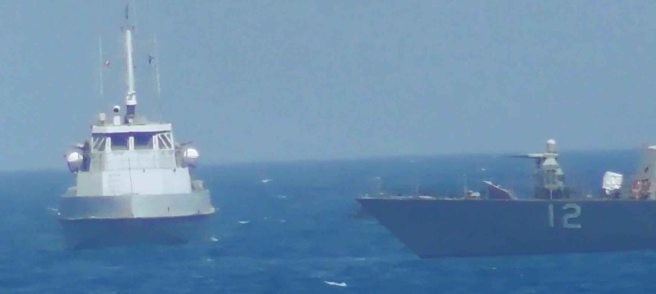 این عکس از ویدئوی نیروی دریایی آمریکا استخراج شده و مربوط به حادثۀ روز ٢۵ ژوئیه ٢٠١٧ است