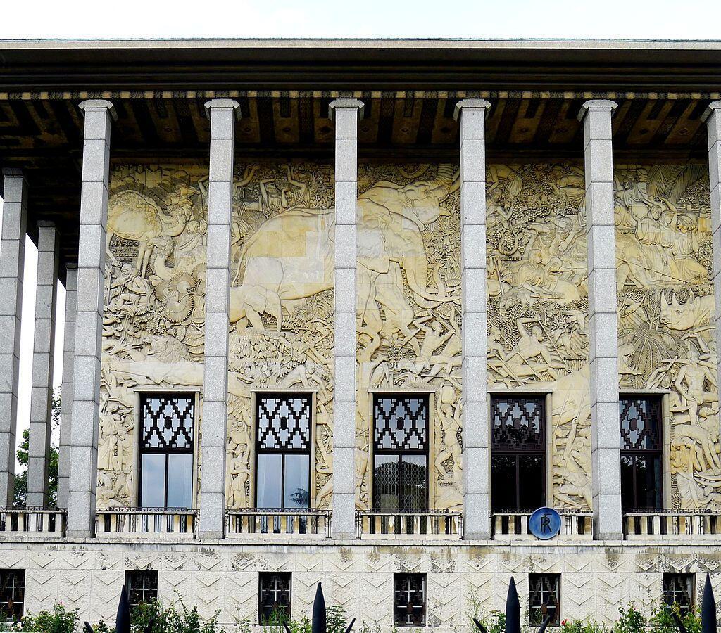 Le palais de la Porte Dorée, avenue Daumesnil à Paris, accueille le musée de l'Immigration.
