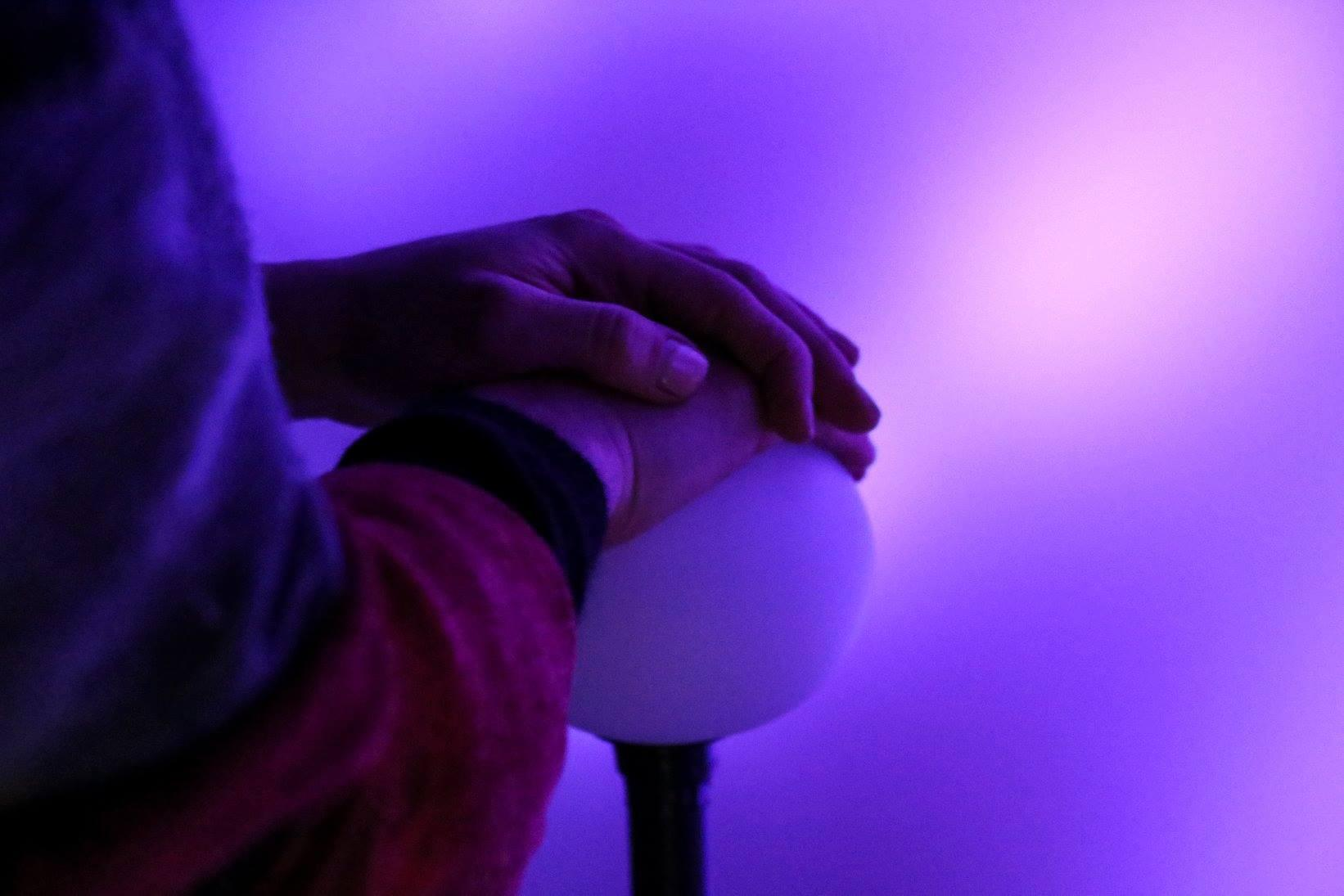La esfera de la instalación Interlude, que mide el nivel de estrés de la persona.