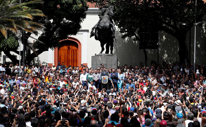Tổng thống Venezuela tự phong, Juan Guaido, phát biểu nhân cuộc họp báo tại thủ đô Caracas, ngày 25/01/2019.