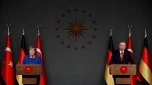 نشست خبری رجب طیب اردوغان، رییس جمهوری ترکیه و  آنگلا مرکل صدر اعظم آلمان در استانبول. جمعه ٤ بهمن/ ٢٤ ژانویه ٢٠٢٠