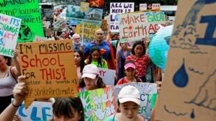 Manifestação de jovens em Greve pelo Clima em Bangkok, na Tailância, neste dia 20 de Setembro.