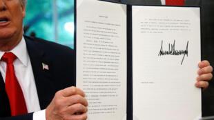 Tổng thống Mỹ Donald Trump hôm qua 20/06/2018 ký ban hành một sắc lệnh cấm chia cắt gia đình người nhập cư trái phép vào Mỹ.