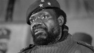 Jonas Savimbi. Fotografia de 1 de Junho de 1985. Jamba, Angola.