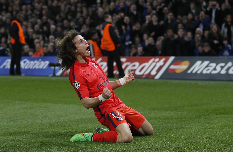David Luiz foi um dos destaques da vitória do PSG no empate de 2 a 2 contra o Chelsea nesta quarta-feira (11).