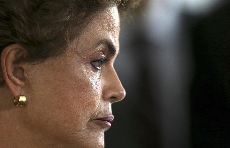 Une commission parlementaire a décidé, le lundi 11 avril 2016, de soumettre ou non l'avenir de Dilma Rousseff au vote des députés.