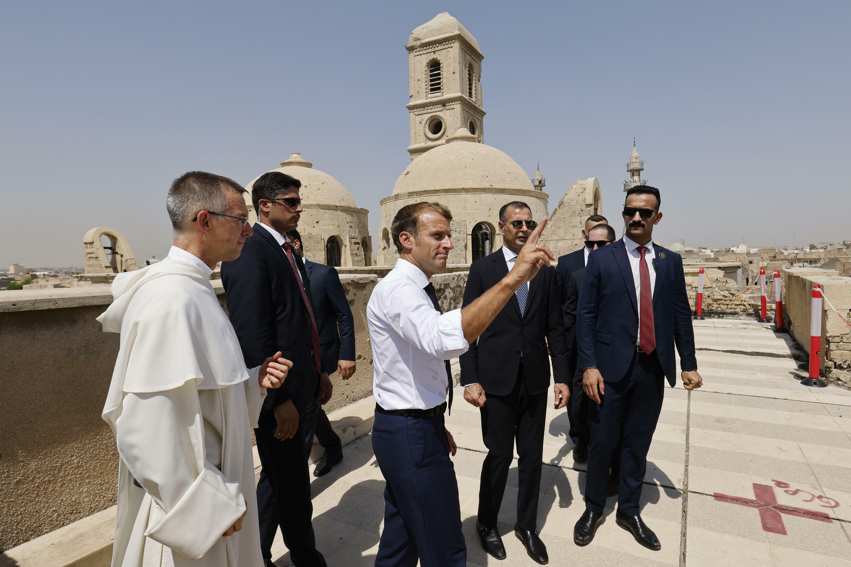 El presidente francés, Emmanuel Macron, en una iglesia católica de Mosul, Irak, el 29 de agosto de 2021