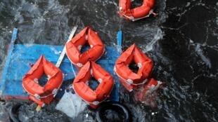 Des vagues de deux mètres de haut ont compliqué les opérations de sauvetage en mer.