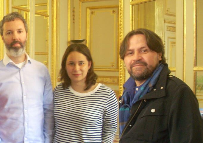 Da esquerda para a direita, os escritores Michel Laub, Ana Martins Marques e Marcelino Freire, no Salão do Livro de Paris em 21 de março de 2014.