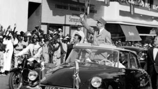 De Gaulle in his black Citroën DS 19, in Dakar,  Sénégal, 1959.