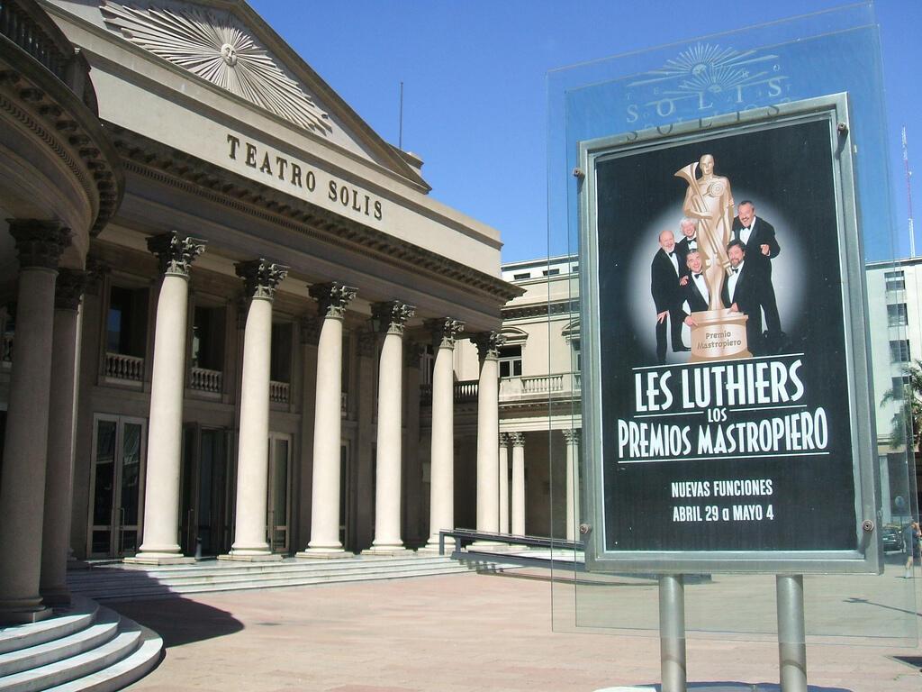 Les Luthiers en el Teatro Solís de Montevideo, Uruguay