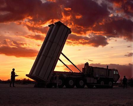 图为疑似萨德导弹防御系统装置