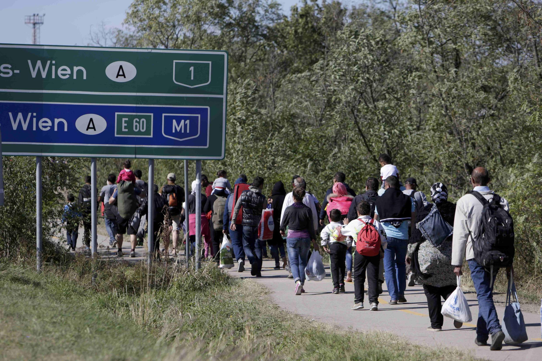 Беженцы на границе Австрии и Венгрии. Сентябрь 2015