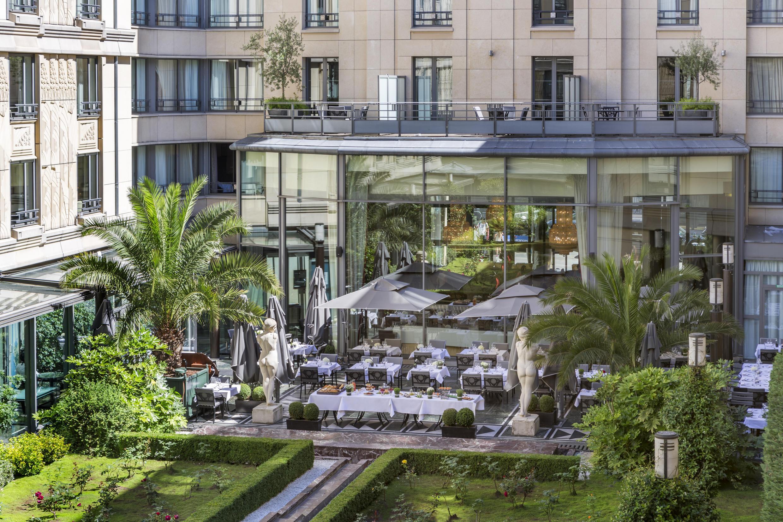 Патио «Андалусия» в Hotel du Collectionneur